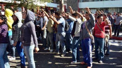 estudiantes-normalistas-de-michoacan-619x348
