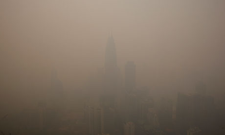 Pollution due to Indonesia forest fires : thick haze in Kuala Lumpur, Malaysia